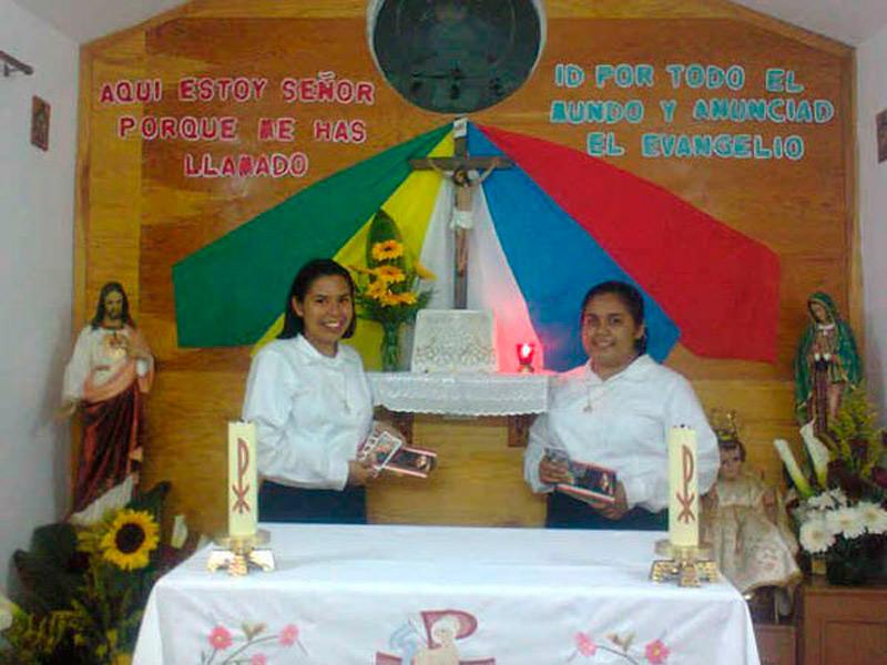 Postulantado de: Estefanía y Fernanda (México)