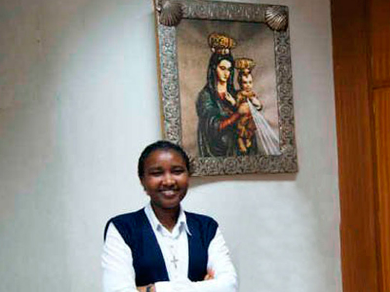 Toma de Hábito y Profesión Temporal de Mary Mutio Mutua